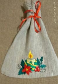 Dāvanu maisiņš ar ziemassvētku izšuvumu
