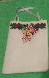 Ziemassvētku maisiņš ar izšuvumu